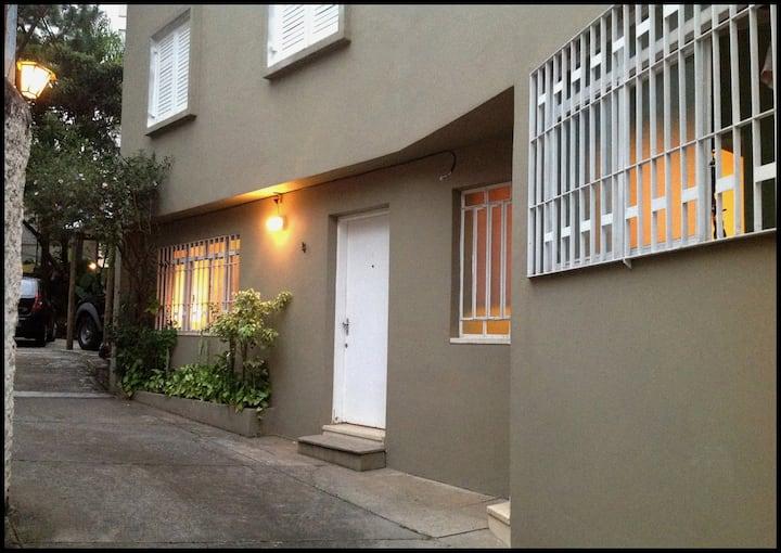 Casa de Vila, para até 5 pessoas, em Perdizes!