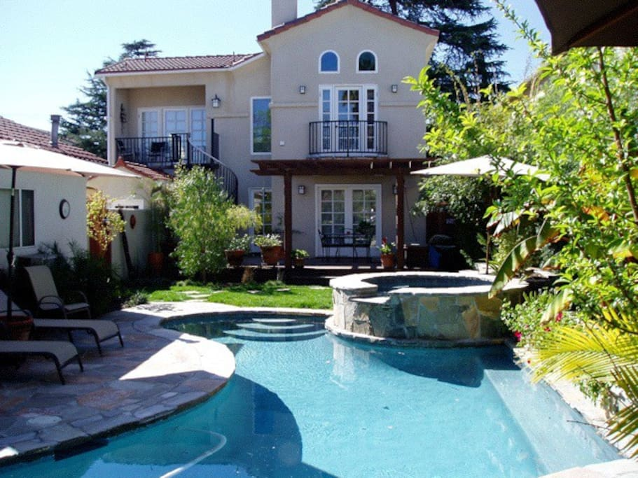 Beautiful home w pool toluca br 2 houses for rent in los for Homes to rent in los angeles