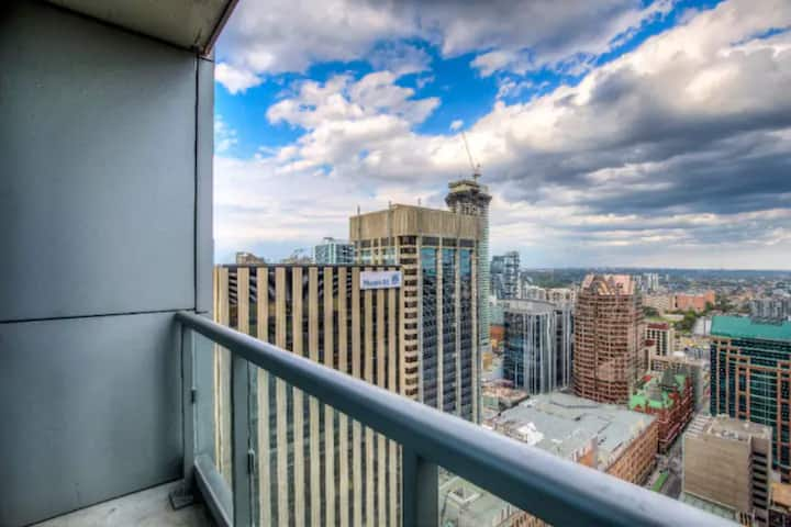 Downtown Luxurious Pent House