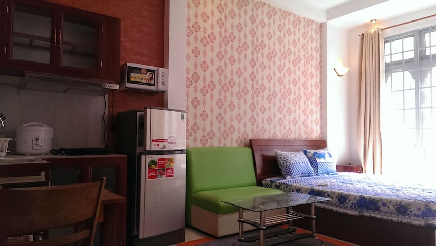 Studio apartment in Central SaiGon. - District 1  - Huis