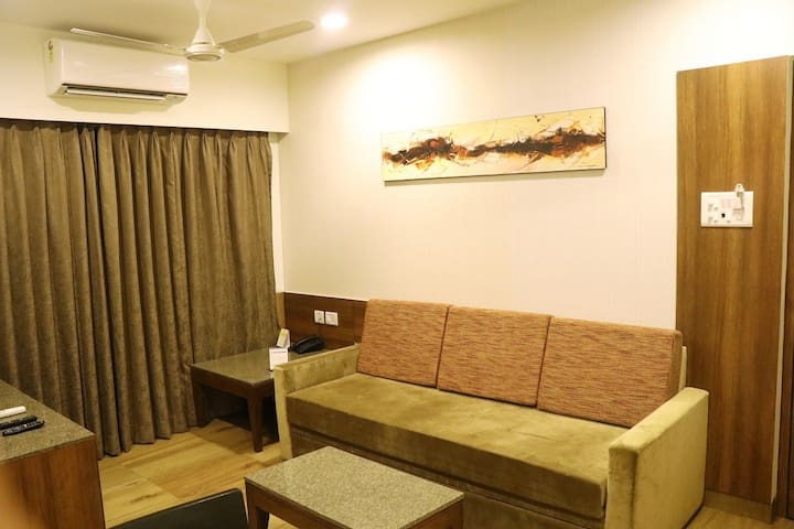 Deluxe Service Apartment (GCC Sonal Bldg)