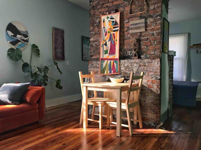Mimosa Studio Apartment Close to Downtown