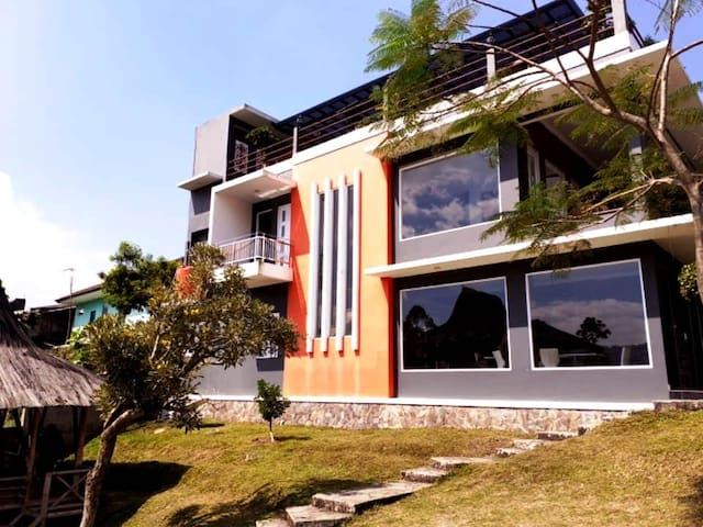 Sunnyhills Villa