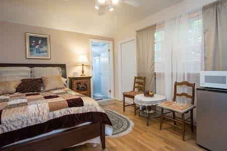 Charming Room - Los Angeles - Bed & Breakfast