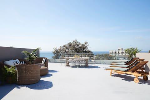 Exclusive Rooftop Retreat Overlooking Bondi Beach
