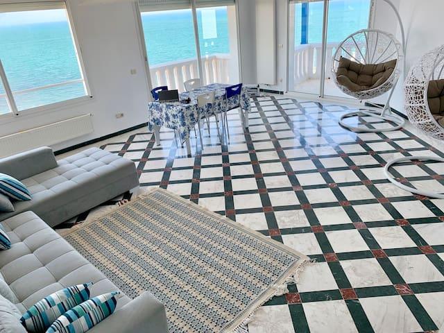 White Sea View Apartment