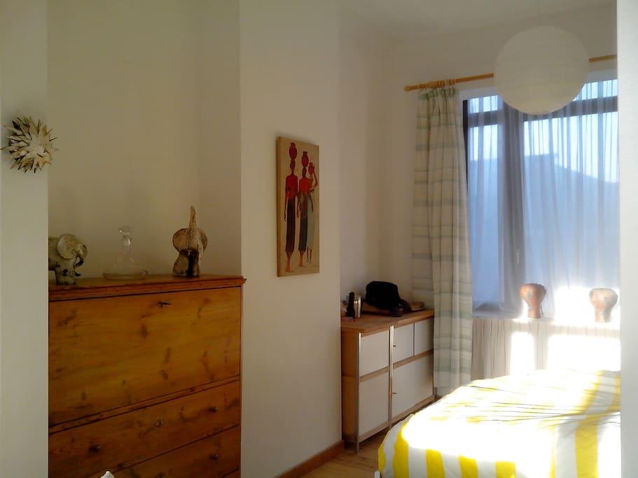 Côté chambre avec bow window