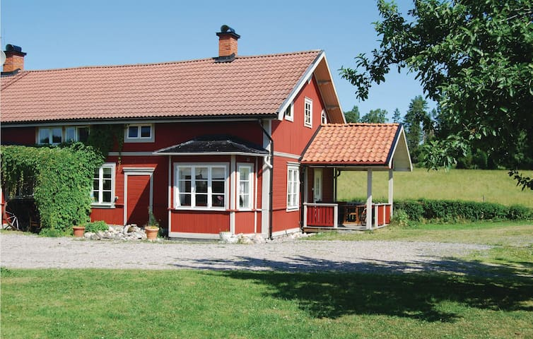 Holiday apartment with 2 bedrooms on 70m² in Malmköping