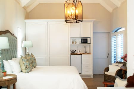 Boutique Room lush luxurious & cosy Spoil yourself - Hermanus