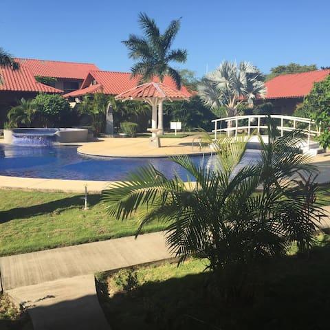 Villas y Condominios en Guanacaste - playa flamingo - 別荘