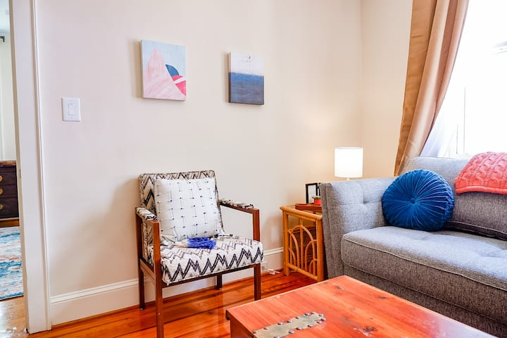 Walk Cottontown Comfy Cozy Casa - Sleeps 6, 1 Bath