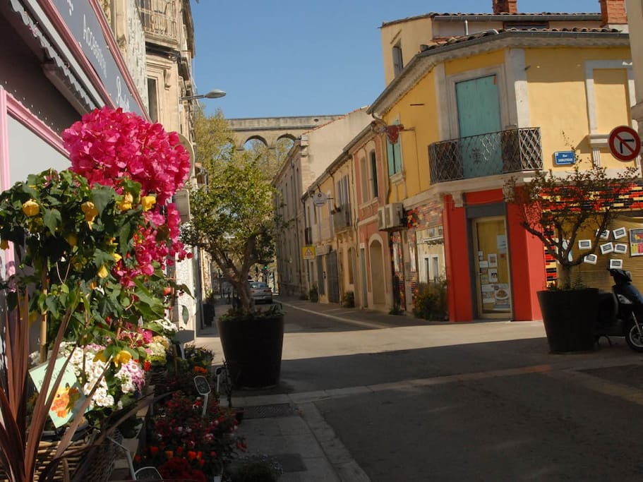 Arceaux b b flats for rent in montpellier languedoc - Bebe 9 montpellier ...