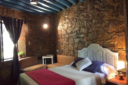 Private room in stone house - Inap sarapan