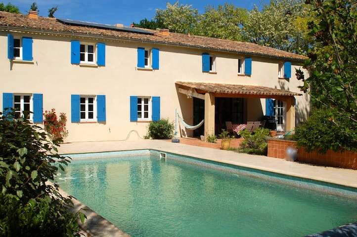 House ideal for two families - Rognes - Ev