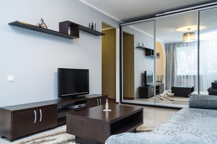 ВИП апартаменты 2016 год центр - Zaporizhzhya - Apartmen