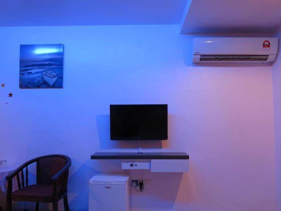 - Air conditioner - Television (Astro) - Mini refrigerator