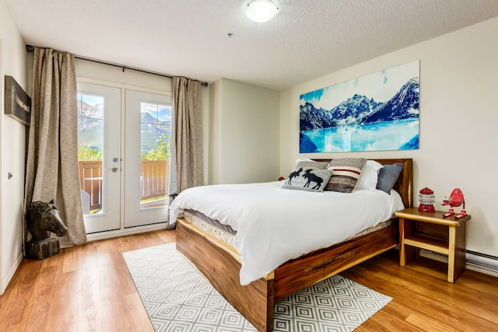 ❤❋Charming Condo In The Heart Of Canmore❋❤