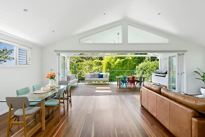 NEW Family Beach House + Pool + Walk to Manly