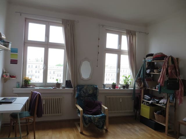 cozy bright room in friedrichshain apartments for rent in berlin berlin germany. Black Bedroom Furniture Sets. Home Design Ideas
