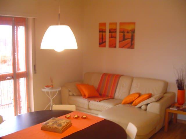"""Appartamento """"dalla nonna"""" - Acqui Terme - Apartment"""