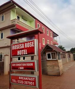 Rosesa Rose Hotel Suame Kotoko - Pensió
