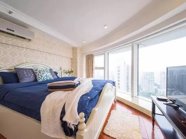 全景玻璃LOFT酒店公寓 南通中南商务区 直达狼山风景区