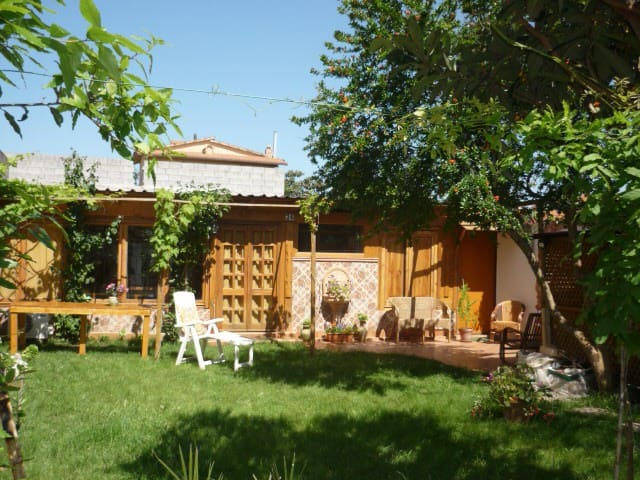 B&B Marino e Lily, camera grande - Baratili San Pietro - Bed & Breakfast