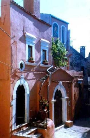 Romantic house breath-taking view - Vico del Gargano - House