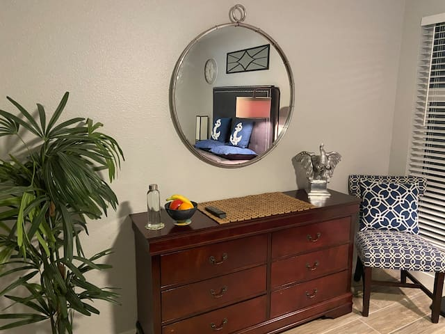 Mirror with chair - drinking water and healthy snacks -Good morning
