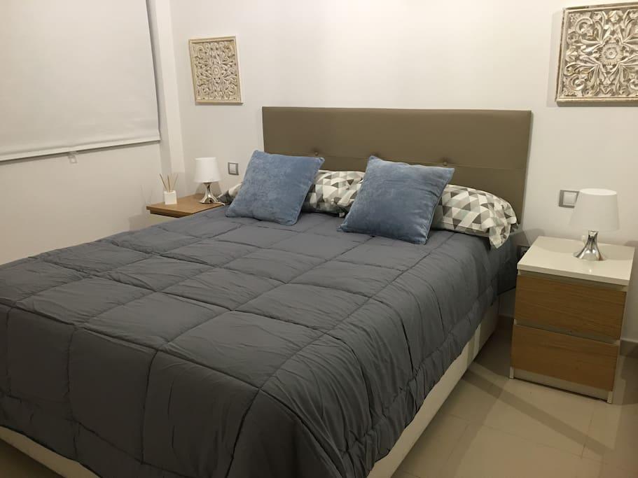 Habitación principal cama 150 x 190