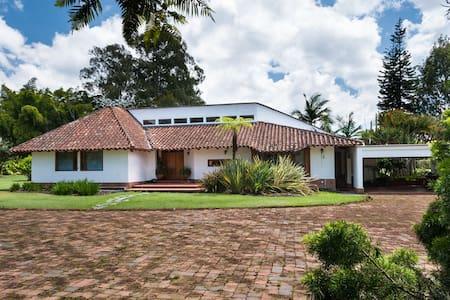 Casa Campestre 500m2 Unidad Cerrada - Llanogrande