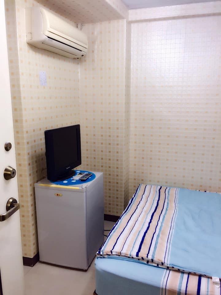 207中山捷運5分鐘獨立套房馬偕醫院國賓飯店cozy suite w/ bath in CBD