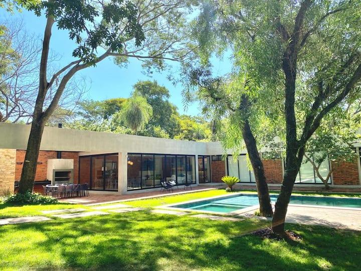 Moderna casa en Sanber en medio de la naturaleza.