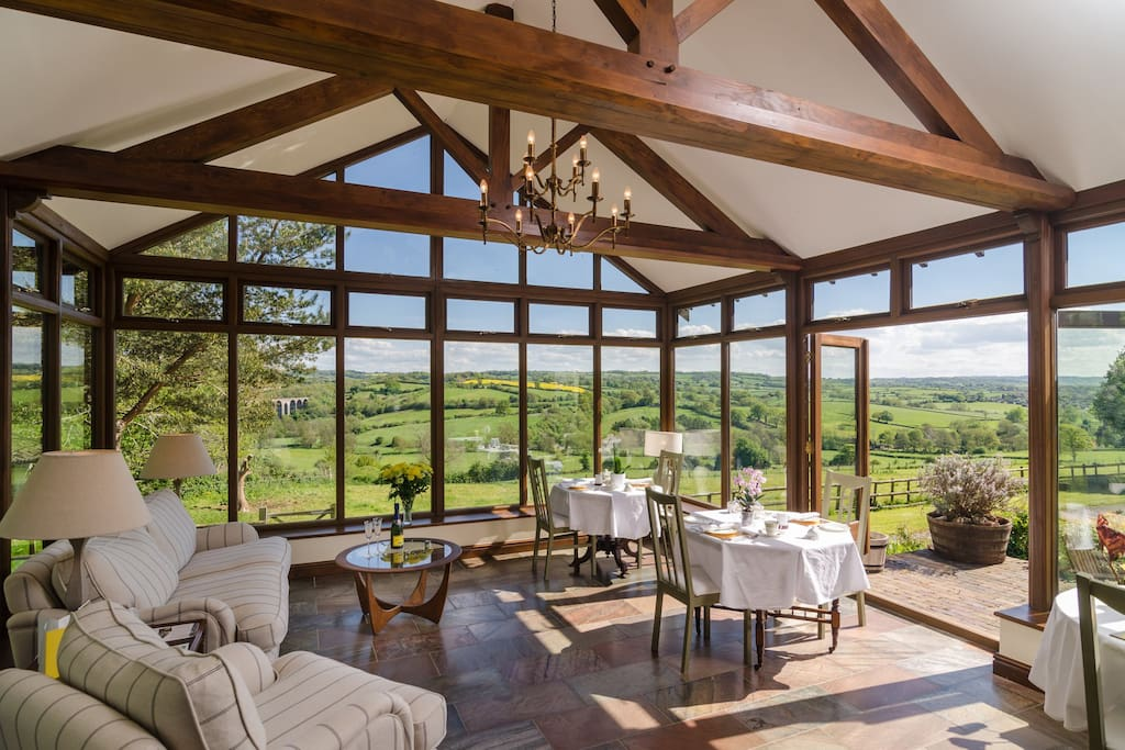 Dining room with view of the countryside