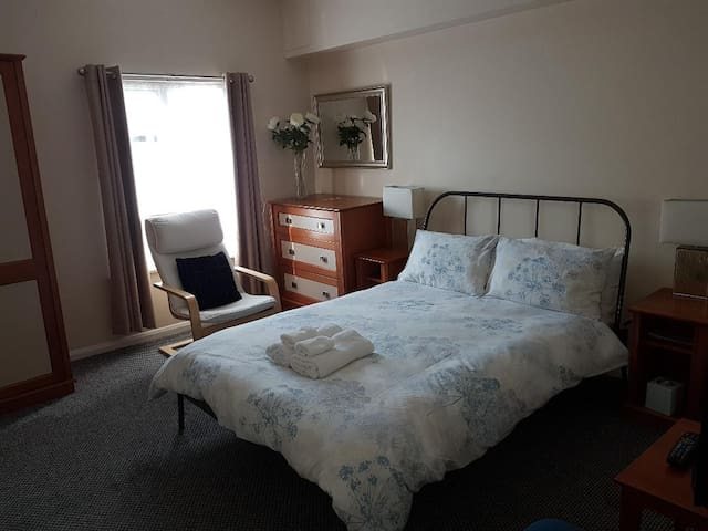 Private Double Bedroom Nottingham City Centre