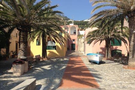 A 50metri dal mare - Varigotti - Wohnung
