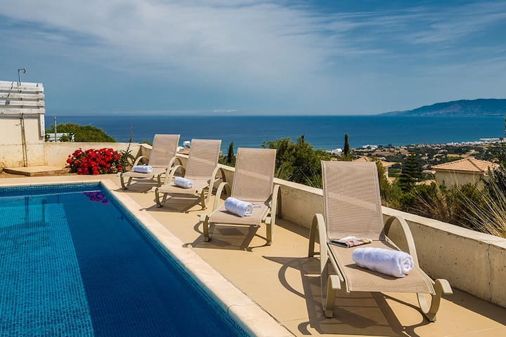 Sun loungers to relax by the pool