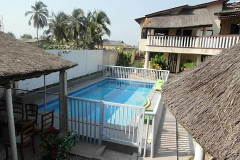Studio in Grand Popo, with enclosed garden - 10 m from the beach