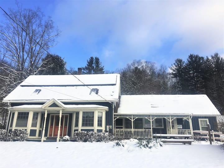 Zoar Outdoor's Hawk Mountain Lodge