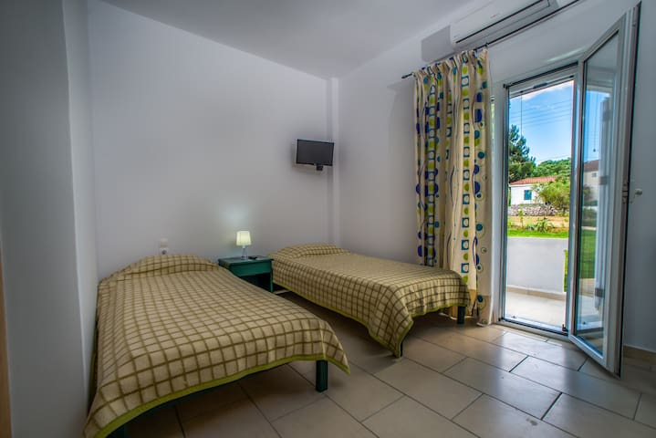 Tesys Studio 3 Persons - Laganas - Bed & Breakfast