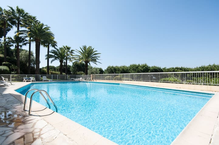 4 PERS, VUE MER 180° PISCINE GARAGE - Nice - Lägenhet