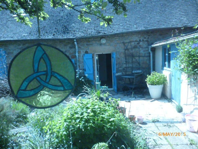 Artists cottage in Brittany - Guémené-sur-Scorff - Casa