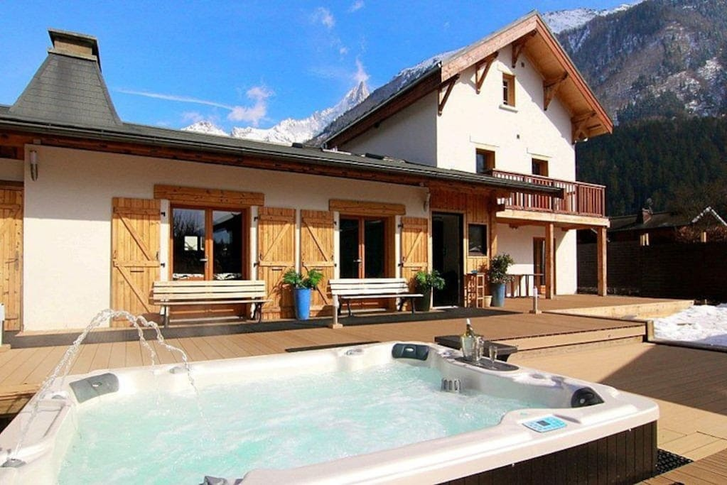 Main chalet & hot tub