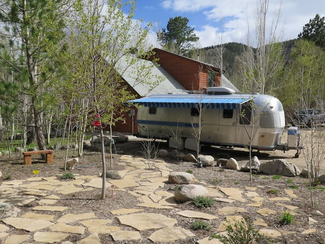 Vintage Airstream in the Aspens - Salida