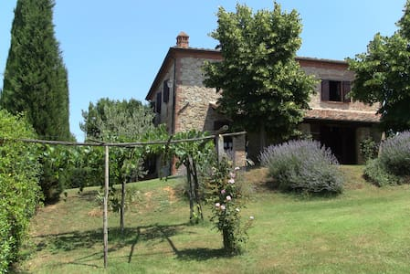 Villa under the sun of toscany - Sinalunga