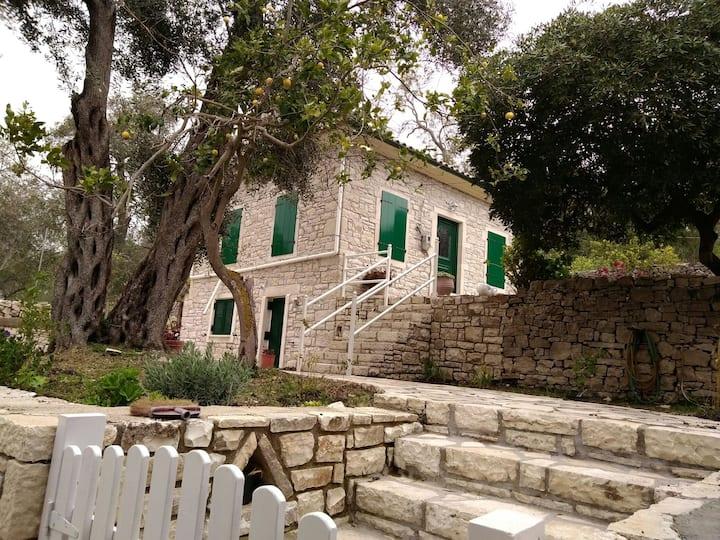 Romanos House