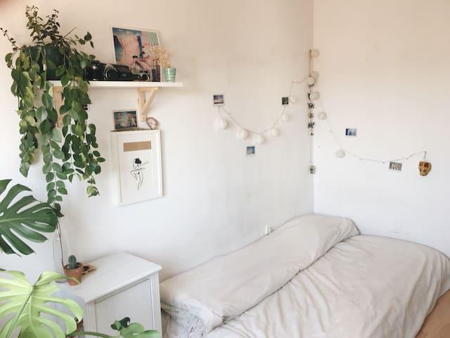 Linda habitación con las mejores vistas -poble sec