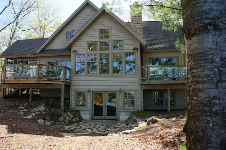 Gorgeous Escape on Lake Dubonnet - Interlochen - Casa
