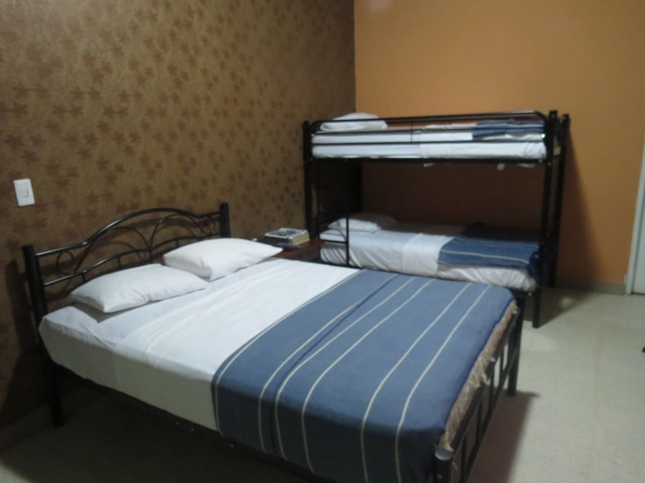 Room cuadruple ( Room for 4 person) With A/A