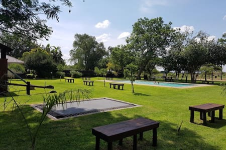 PepperTree Lodge and Caravan Park - Bela-Bela - Luontohotelli